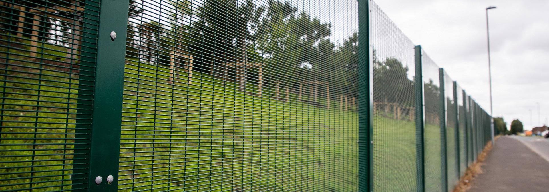 Green Mesh Fencing SR1